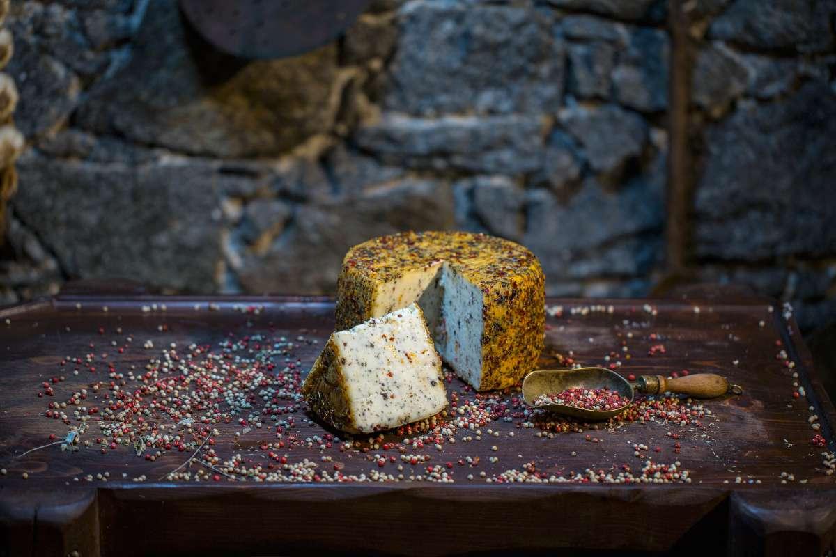 Τυρί με πιπέρια